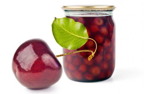 Le ciliegie sotto spirito da fare in casa, la ricetta