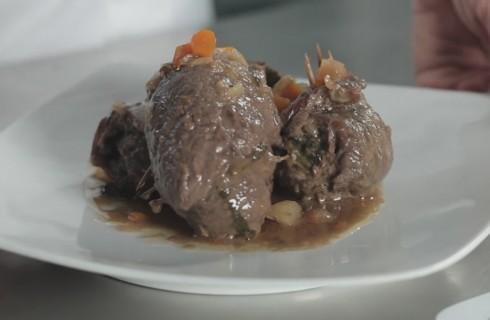 Involtini di carne ripieni: la video ricetta