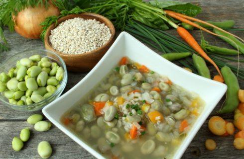 La minestra di fave per stare in forma, la ricetta