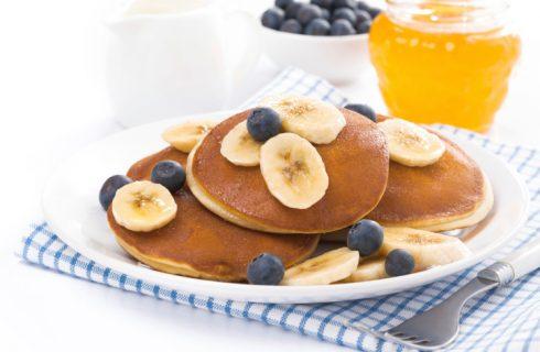 I pancake light alla banana e cocco perfetti per la dieta