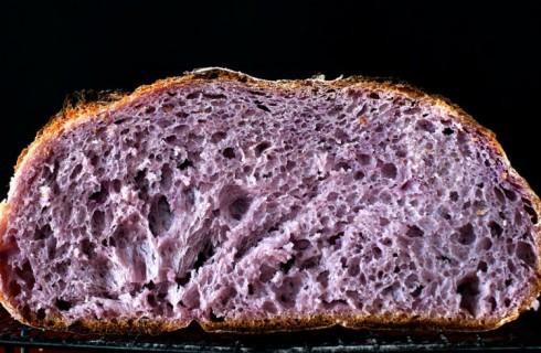 Novità nel mondo dei superfood: il pane viola