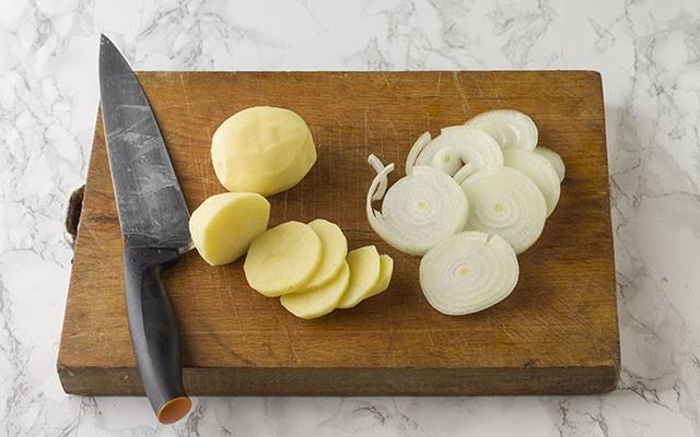 patate e cipolle al forno step1