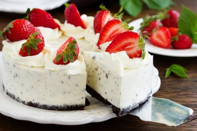 cheesecake fragole e cioccolato