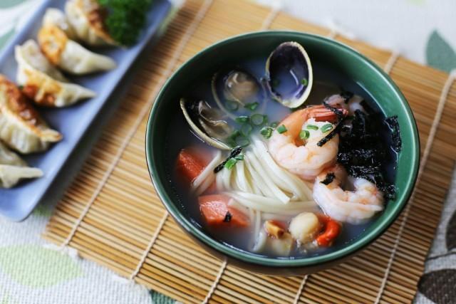 zuppa di pesce con udon