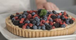 Crostata di frutta senza cottura, la video ricetta