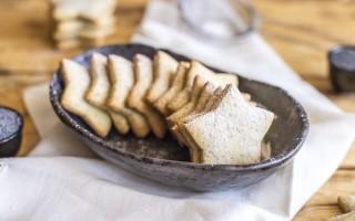 Biscotti facili con semi di papavero