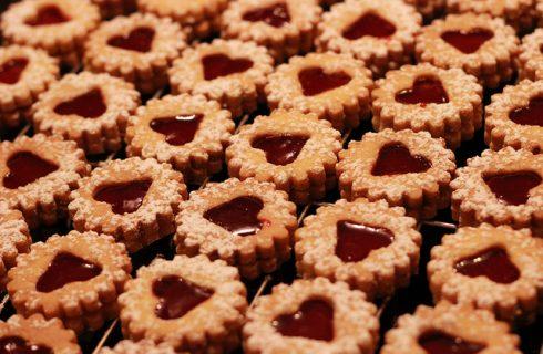 I biscotti con marmellata di albicocche da fare in casa: la ricetta