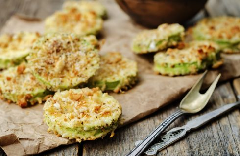 La ricetta delle zucchine chips, lo snack sano e goloso
