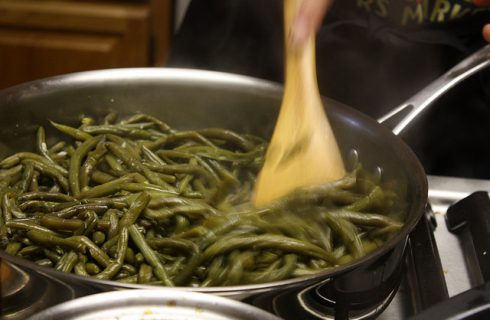 Come fare i fagiolini al sugo: ecco la ricetta