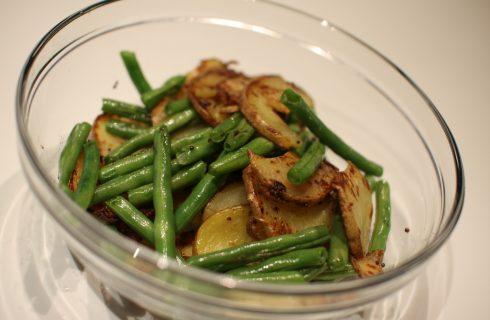 Il contorno di fagiolini, zucchine e patate: la ricetta da provare