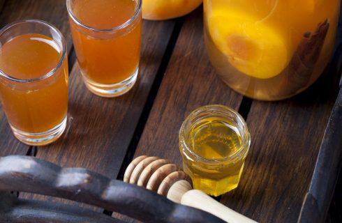 Come si fa il liquore di albicocche, la ricetta casalinga