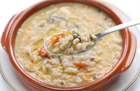 Il minestrone con farro con la ricetta sana