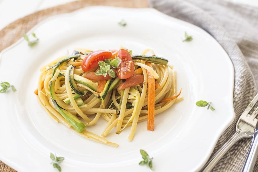Ricetta pasta con le verdure agrodolce - Cena tra amici cosa cucinare ...