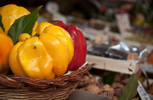 La frittata di peperoni, ecco la ricetta del piatto estivo