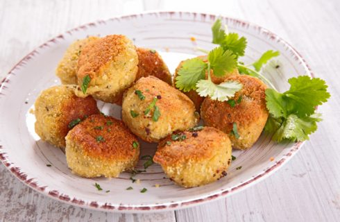 Le polpette di zucchine e ricotta al forno con la ricetta leggera