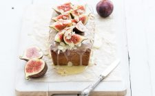 La torta ai fichi freschi e cioccolato per un dessert goloso