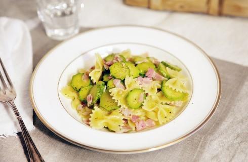 Pasta zucchine e pancetta: ricetta sfiziosa
