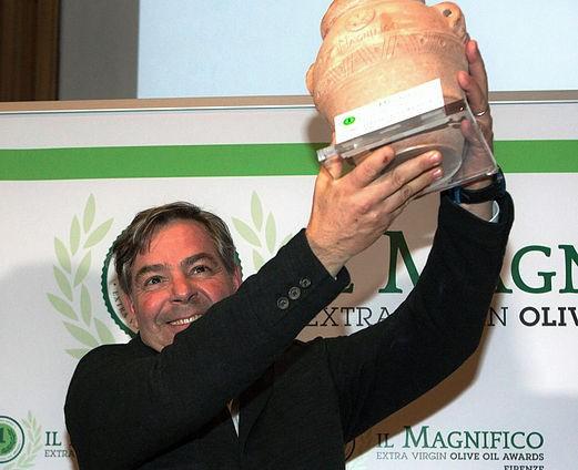 Marco Scanu ritira IL MAGNIFICO
