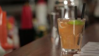 Virgin Bellini: il video cocktail