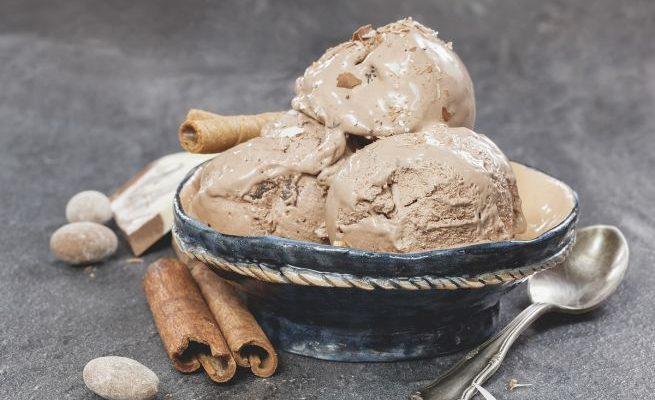 Come fare il gelato alla liquirizia con la ricetta per il Bimby