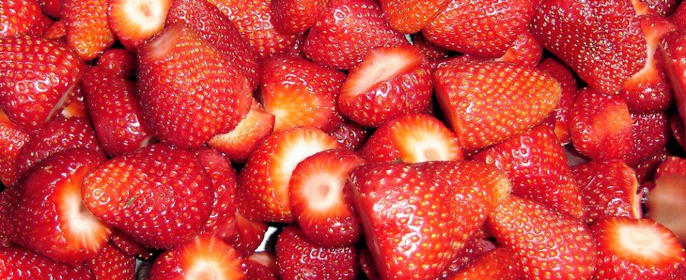 La macedonia di fragole con la ricetta facile e veloce