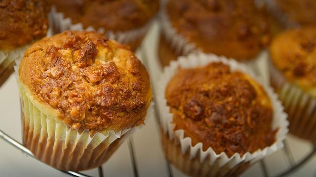 Ecco i muffin alle albicocche e pistacchi perfetti per colazione