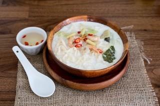Thai Noodles con cocco e gamberi