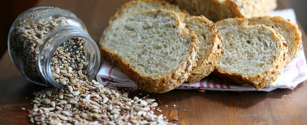 Pane ai cereali fatto in casa