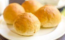 I panini alla ricotta sardi con la ricetta della tradizione