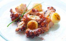 La ricetta del polpo con patate al forno
