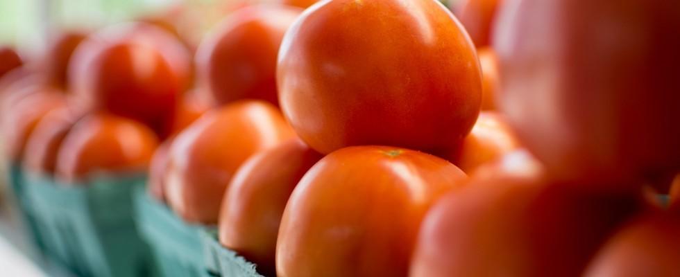 Spesa al mercato contadino VS spesa al supermarket: quale costa di più?