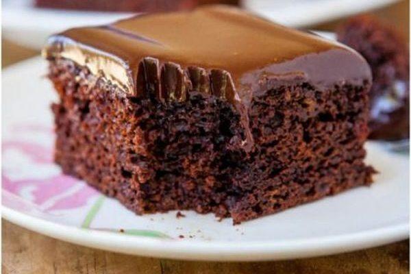 La torta al latte di cocco e cioccolato con la ricetta golosa