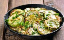 Come fare le zucchine in umido: ecco la ricetta