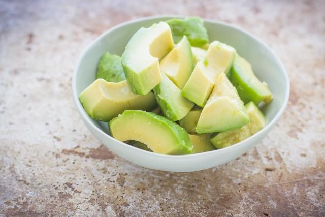 Step 3 insalata con avocado feta e cetrioli