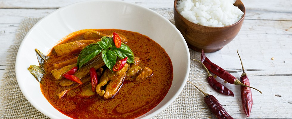 Curry rosso con maiale, cucina thai
