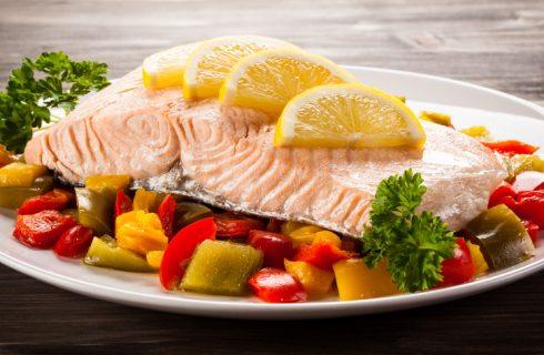 Il filetto di salmone al forno, la ricetta estiva facile da fare