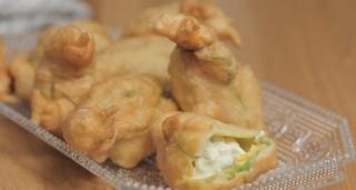 Fiori di zucca fritti con gorgonzola e prosciutto