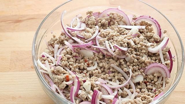 insalata di maiale piccante (4)