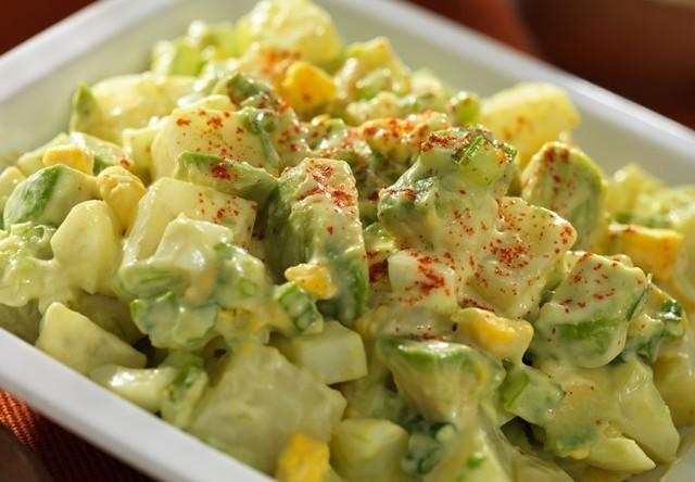 insalata di patate e avocado