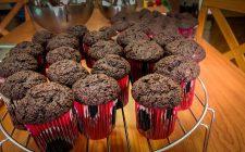 I muffin alle pesche e cioccolato con la ricetta golosa