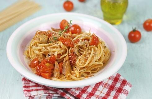 Pasta con lo sgombro e pomodorini