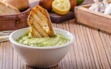 Ecco il pesto di avocado e noci con la ricetta sfiziosa