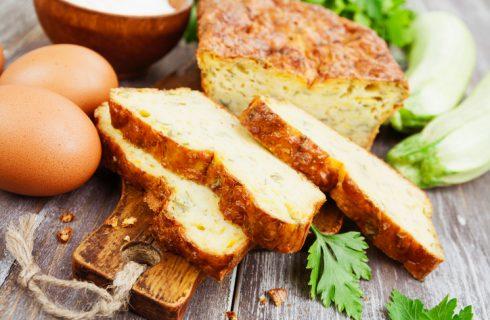 Il plumcake salato con zucchine e scamorza con la ricetta facile