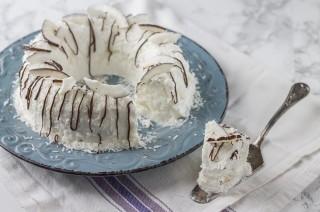 Semifreddo al cocco: dolce al cucchiaio
