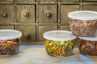 Conservare e riscaldare gli alimenti correttamente: come farlo?