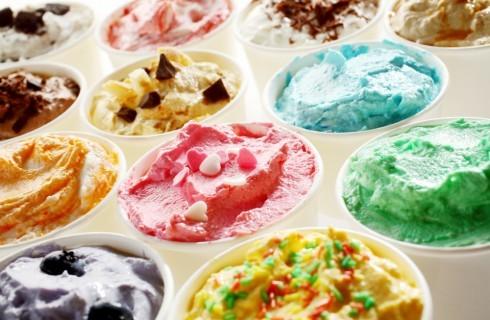 Cosa mettere sul gelato? 10 topping da provare