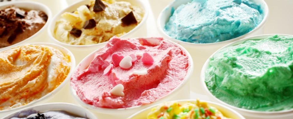 Cosa mettere sul gelato 10 topping da provare agrodolce for Cosa mettere dietro il divano