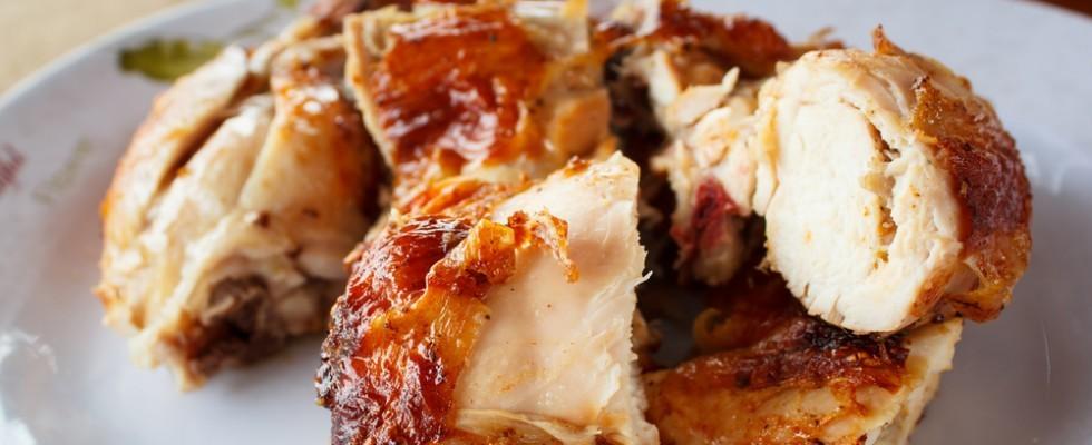 Non si butta via nulla: come utilizzare gli avanzi del pollo arrosto?