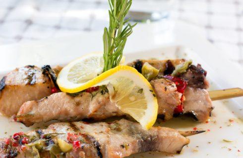 Gli spiedini di pesce spada alla siciliana, la ricetta dalla tradizione