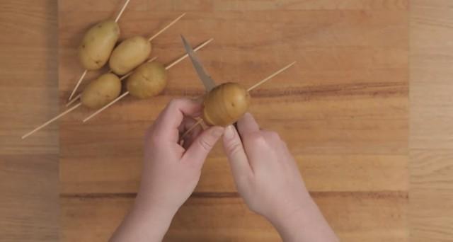 spirali di patate cacio e pepe 02